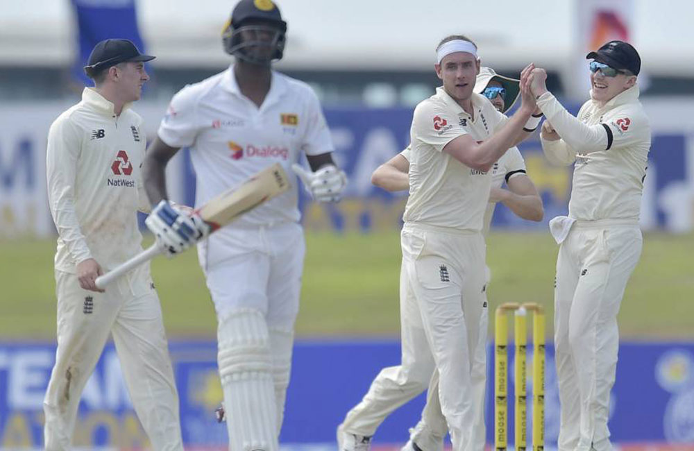 Sri Lanka collapse in Galle as England dominate opening day